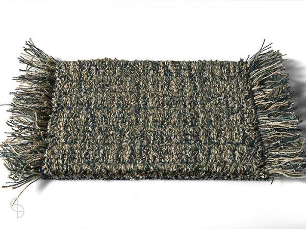 carpet sign Tweet-550260_0 cs